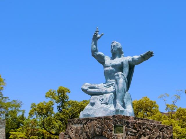 長崎平和公園,長崎平和祈念像